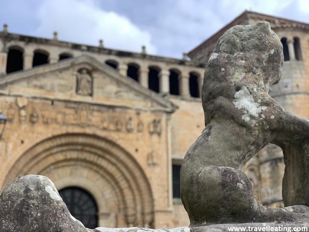 Colegiata de Santa Juliana, un edificio religioso de Santillana del Mar, uno de los pueblos más bonitos de Cantabria.
