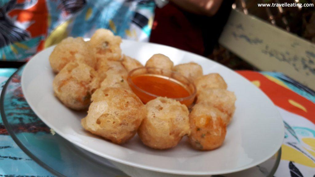Makouda, plato tradicional marroquí que consiste en unos buñuelos de patata frita.