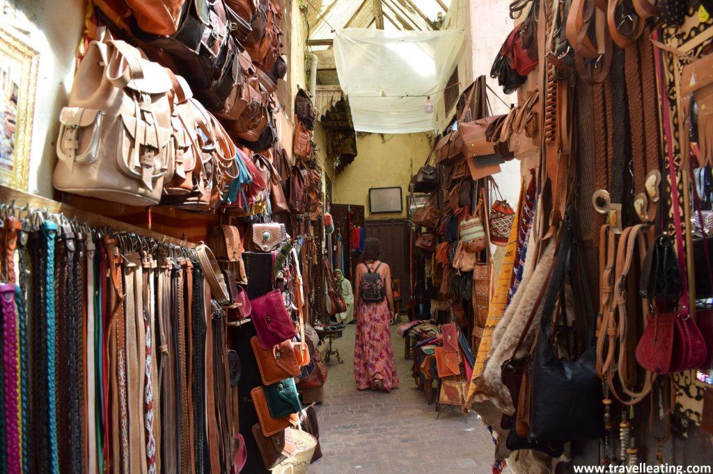 Tiendas de la medina de Fez.
