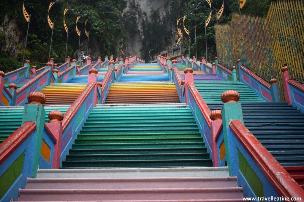Escaleras de colores de las Batu Caves.