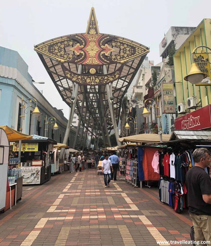 Tiendas de grandes marcas en Chinatown de KL.