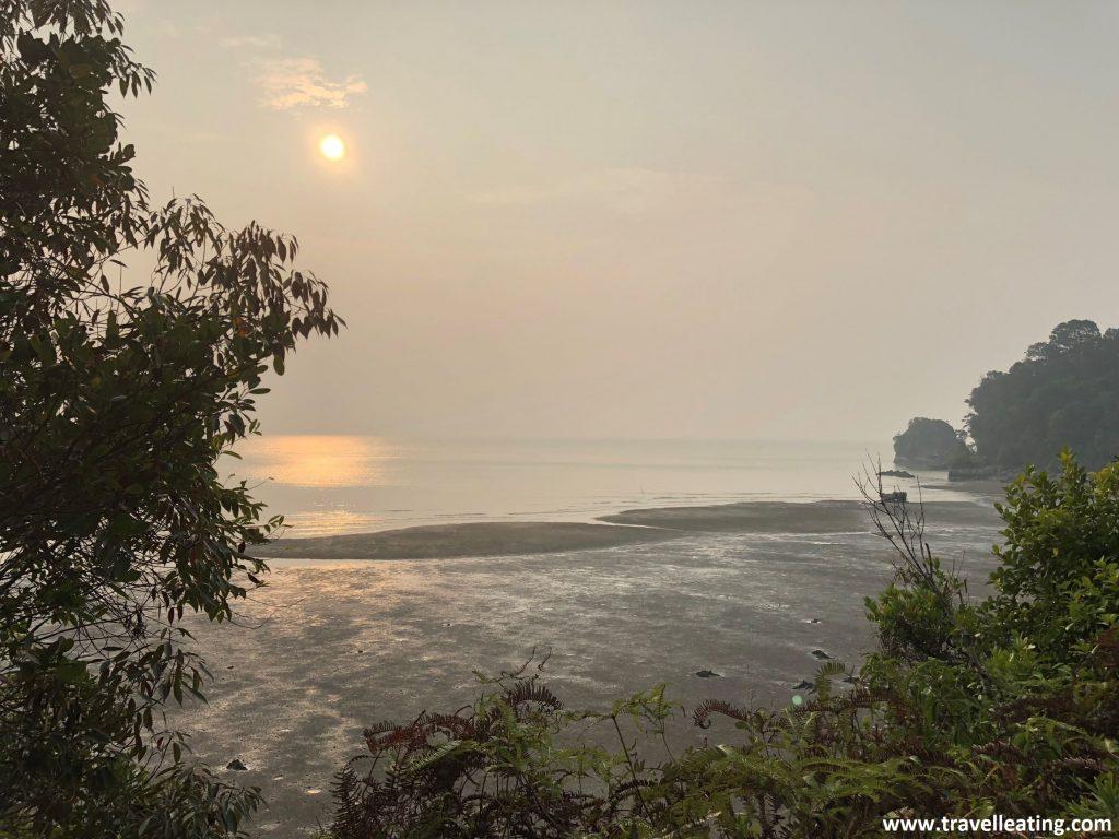 Playa en el Parque Nacional Bako.