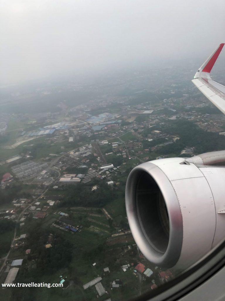Llegando a Georgetown en avión.