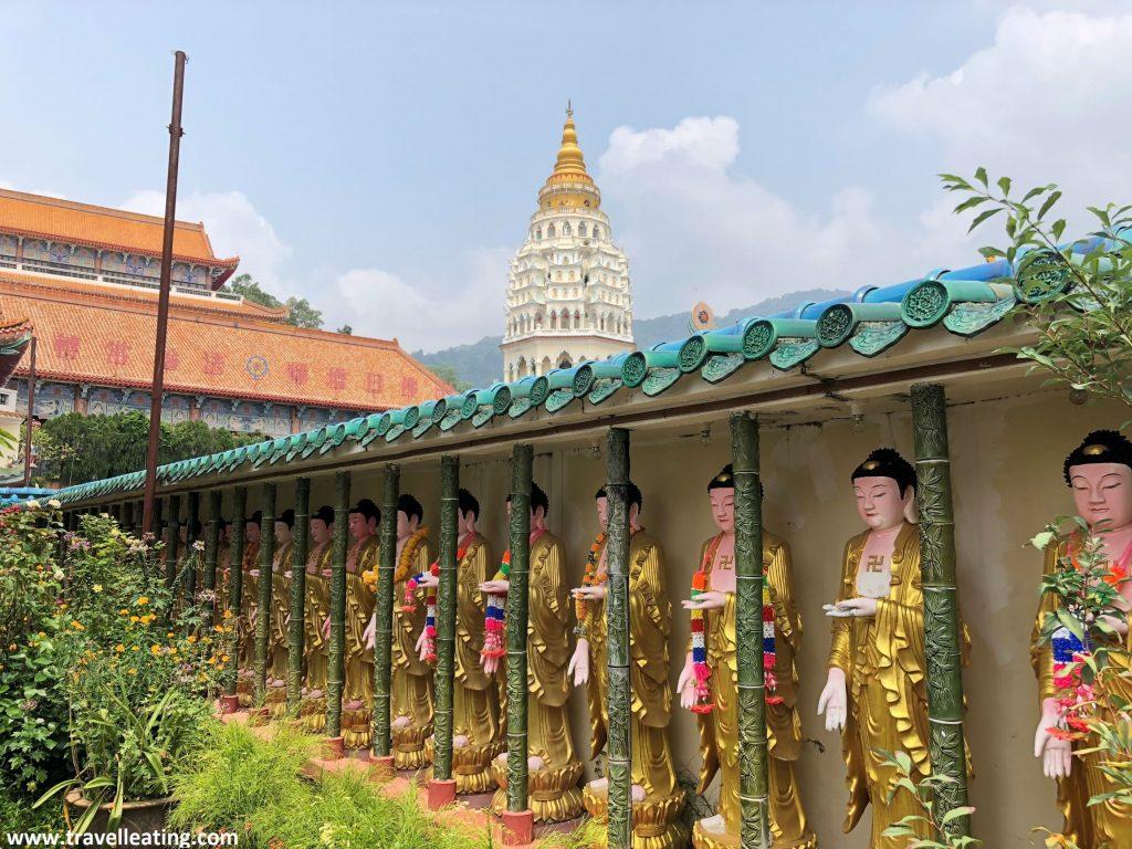 Budas en el Templo Kek Lok Si. Georgetown, Penang.