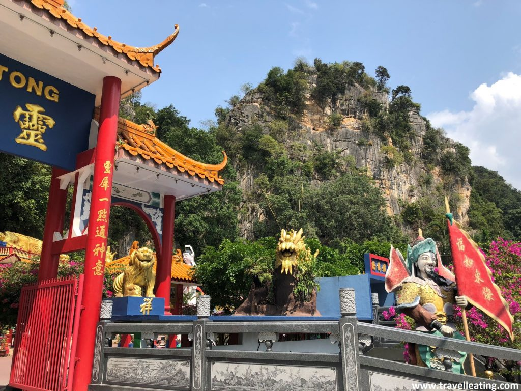 Entrada del Templo Ling Seng Tong, en las afueras de Ipoh.