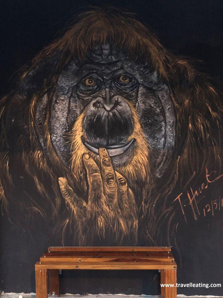 Mural de un orangután en Ipoh.
