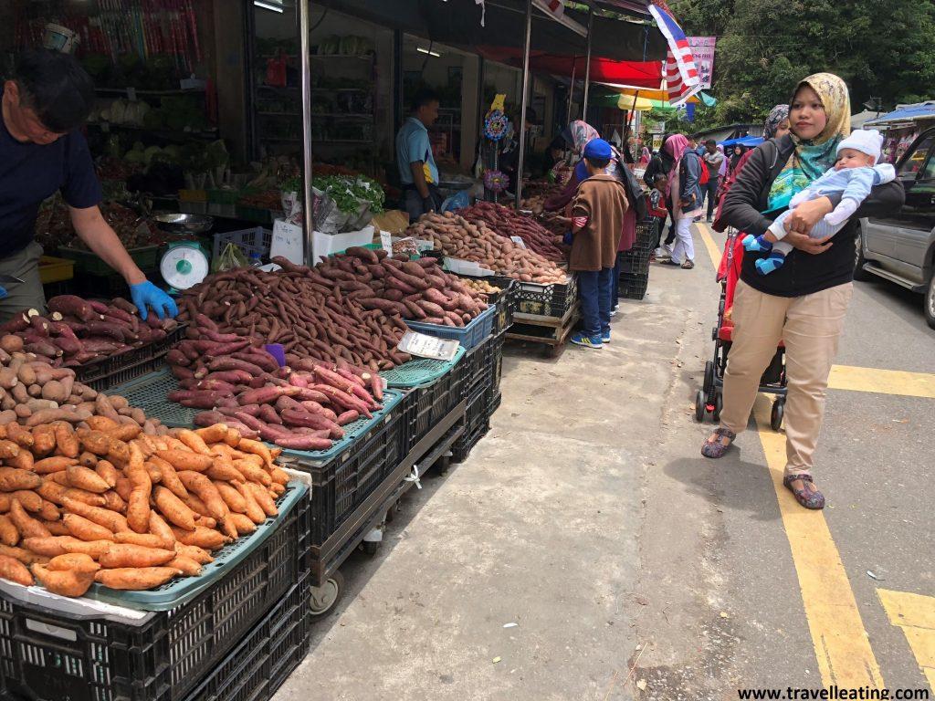Mercado de Bringhang.