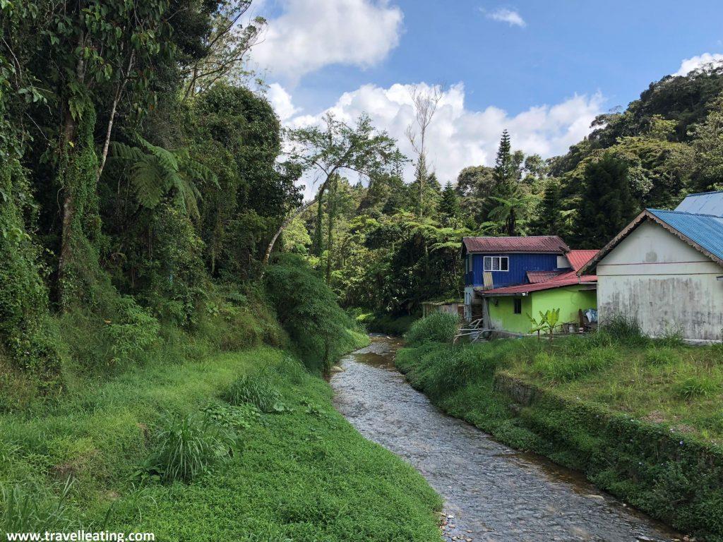Camino de Brinchang a Tanah Rata.