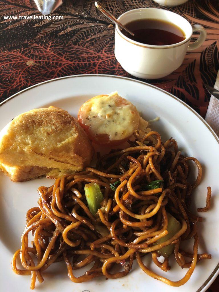 Desayuno en el Ombak Resort.