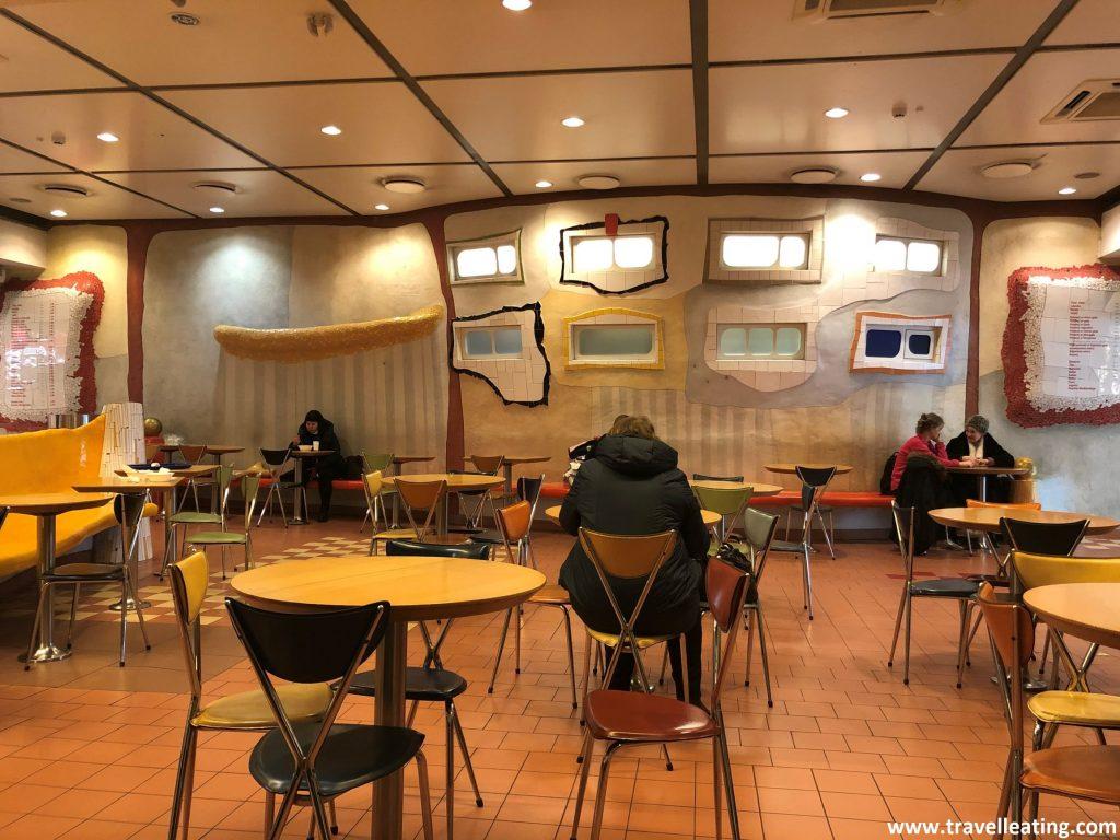 Restaurante XL Pelmeni, uno de los restaurantes más baratos de Riga para comer comida local.