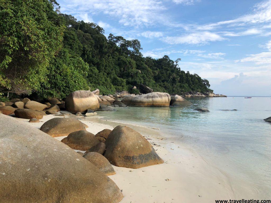 La zona final KK Beach, una de nuestras playas preferidas. En Perhentian Besar.
