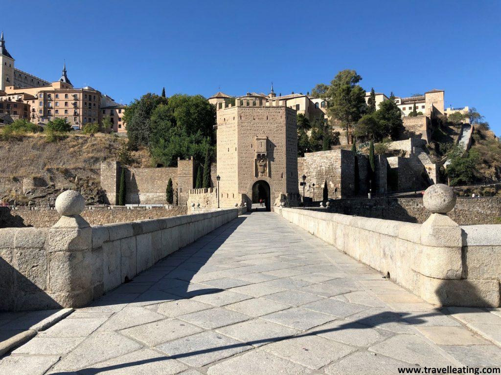 Puente y Puerta de la Alcántara, uno de los imprescindibles que ver en Toledo.