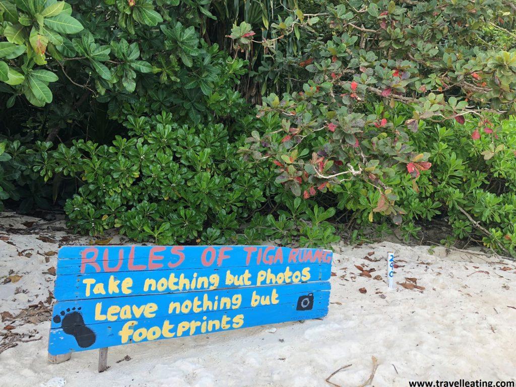 El famoso cartel de Turtle Beach. En Perhentian Besar.