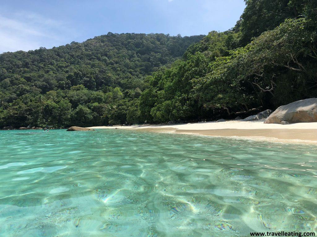 Turtle Beach des del agua. En Perhentian Besar.