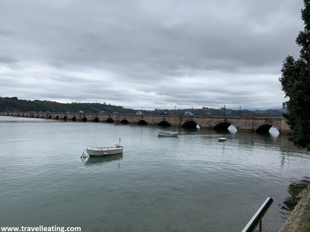Famoso puente romano de San Vicente de la Barquera, uno de los imprescindibles de Cantabria.
